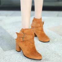 Monerffi 섹시한 부츠 여성 단단한 색상 신발 버클 부츠 하이힐 뾰족한 가을 겨울 신발 버클 장식 Botas Mujer 고양이 부츠 Shoe 판매 d7ua #
