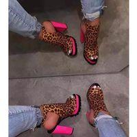 Nan Jiu Mountain 2020 Spring and Summer High High High Heels's Bottes Femmes Sandales Talon épais Plate-forme Confortable Plateforme Open Toe Sandales Y200702