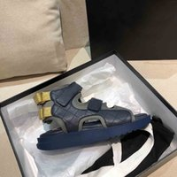 2021 Frühling Sommer Damen Luxus Designer Sandalen Mode Gute Qualität 7 Farben Echtes Leder Hakenschleife Flat Heeel 35 bis 40
