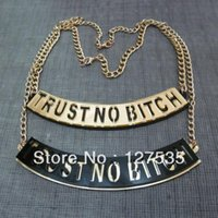 2 pçs / lote Moda Hip Hop Jóias Acrílico Alfabeto Carta Confiança Sem Colar Colar Choçadores