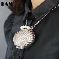 Shoulder Bags [EAM] Women Sliver Original Design Metallic Mini Pearls Shell Personality All-match Crossbody Bag Fashion Tide 2021 18A3386