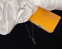 Tasarımcı Kolye Avrupa Amerika Moda Stil Lady 316L Titanyum Çelik Kazınmış Mektubu 18 K Kaplama Altın Kolye Anahtar Kolye 1 Renkli
