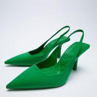 Dress Shoes Bombas femininas novo ponto toe vermelho único sapatos com salto stiletto médio moda s altos ocos 95WU