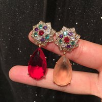 Eau rouge goutte luxueux tempérament élégant élégant S925 Sier aiguille colorée camélie fleur de bétel parfumé de grandes boucles d'oreilles exagérées