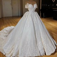 Luxury Design Bridal Gowns Sheer Jewel Neck Lace Applique Wedding Dresses Ruched Sweep Train Princess Vestido de noiva