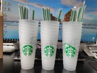ستاربكس 50 قطع 24oz / 710 ملليلتر البلاستيك القدح بهلوان الغطاء قابلة لإعادة الاستخدام واضح شرب مسطح أسفل عمود شكل القش العادل اللون تغيير فلاش كوب، يو بي إس دي إتش إل الحرة