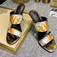 Diseñador de lujo zapatos de moda Sandalias de verano High Block Tacón de punta abierta Sandalias de la fiesta Bomba de mujer Gran tamaño35-42