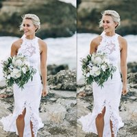 Simple White Beach Wedding Dresses 2022 Cheap Summer Applique Lace Bridal Gowns Slit Seaside Mermaid Dress Customized