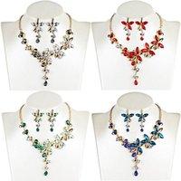 Boucles d'oreilles Collier Crystal Cinq Feuilles Fleurs Strass Strass Strass Gothic Boucle d'oreille Ensemble de bijoux Femmes Colliers à col court