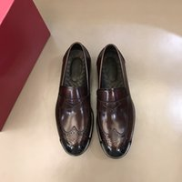 Men's casual leather shoes with luxurious comfortable and fashionable design three color atmosphere size 38-45