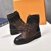 مصمم Wonderland Ranger Beaubourg النساء الأحذية الكاحل النسائية العجل مارتن الجوارب الأزياء التمهيد جودة عالية الفضي للسيدات ديسكفري شقة أسفل bootis
