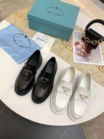 Herbst / Winter Müßiggänger Schuhe Dick-Sohlen Fomal Shoess Luxus Frauen Kleid Schuh Hohe Qualität Schwarzweiß-Größe Größe 35-41 Original-Paketkasten