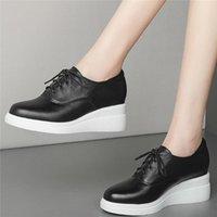 Plataforma bombas zapatos mujeres cuero genuino cuñas de la moda zapatillas de deporte de la moda femenina baja top toe toe botines botines casual vestido
