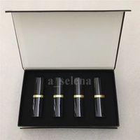 Set di rossetto opaco da trucco professionale a labbra 4 labbra a colori Tubo nero cosmetico 4pcs / kit di alta qualità