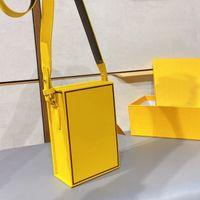 2021 Mini Box Box Magnetic Chiusura a tracolla a tracolla Body Body Fashion F Lettera Borsa Tre colori con scatole regalo di alta qualità