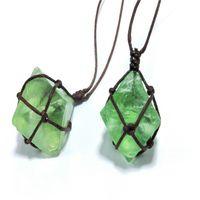 Naturlig Emerald Crystal Pendant Healing DT Gemstone Wand Reiki Green Fluorit Wrap Braid Halsband Yoga Macrame för män Kvinnor Halsband