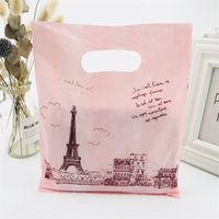 100pcs Pink Paris Tower Plastic Gift Bags Mini 20x25cm Small Boutique Shopping Clothes Bags Plastic Gift Bags With Handles 210326