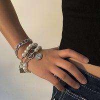 Mode Vintage Klassische Armbänder für Frauen Einfache Stil Persönlichkeit Perlenarmband Vier stück Schlossform Münze Anhänger