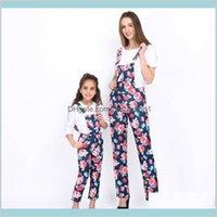 Madre hija trajes de moda Floral Suspender Pantalones General Manga corta T Shirt Mamá y ME Ropa Combinación Familia Bebé Niños Mat Nics6