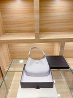 أكياس مصممي الفمونات النسائية 2021 الأبيض براءات الاختراع والجلود المألوف الكلاسيكية الخالدة يجب أن يكون لديك حقيبة الكتف