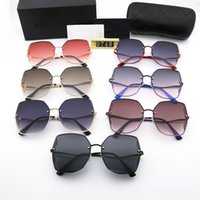 2021 Concepteur Square Sunglasses Hommes Femmes Vintage Vintage Sunglass Sunglass Mâle Lunettes De Soleil Mode Métal Sunglass Eyewear 21031802DQ
