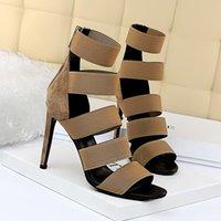 العلامة التجارية المرأة الصنادل أعلى جودة مصمم سيدة الصنادل الصيف أزياء الشريحة عالية الكعب النعال الفاخرة عارضة الأحذية النسائية جلدية