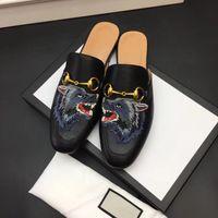 Classico Maschio Mezza Pantofole Authentic Soft Cowhide Flat Bottom Metal Fibbia Capelli Designer di lusso Scarpe da donna Scarpe calda