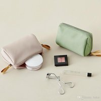 South Korea Is Simple Waterproof And Hand In Hand To Take Stereo Trumpet Makeup Bag Travel To Make Up A Bag