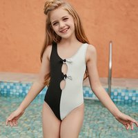 2021 الأطفال bowknot ملابس الفتيات كبيرة بلون خياطة قطعة واحدة ملابس السباحة لطيف الاطفال بلون مغاير بيكيني السباحة ارتداء C6989