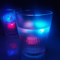 USastar Led Ice Cube Lights Glödande Party Ball Flash Light Luminous Neon Bröllop Festival Jul Bar Vin Glas Dekoration Tillbehör