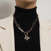 Perruques perles simulées Chaînes Colliers pour femmes Pave Crystal W Letter Basculer Fermoir Pendentif Colliers Colliers Kpop Bijoux