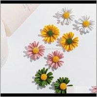 Drop Delivery 2021 Korean Tiny Daisy Flower Stud Earrings For Women Summer Jewelry Fashion Earring Mujer Vintage Ladies Waj0662 Jfyrq