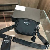 2021 للجنسين أكياس كاميرا النايلون المرأة رجل أسود مصمم crossbody عارضة حقيبة الهاتف حقيبة صغيرة