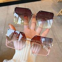 Diseñador Square Gafas de sol Mujeres Vintage Eviertas de sol de gran tamaño para mujer para mujer Marco de cadena de aleación Sombras de verano al aire libre UV400