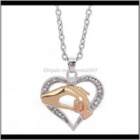 Pendant Necklaces Pendants Jewelrymother And Child Necklace For Mom & Baby In Hand Zircon Heart Pendant, Family Gift 3 Colors1 Drop Delivery