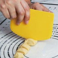 Dough Cutter PP Plastic Fondant Scraper Non-Slip Kitchen Pastry Chopper Universal For Bread Pizza Cake Batter Baking & Tools