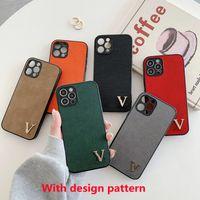 حالات الهاتف مصمم أزياء فاخرة فاخرة رائعة ل iPhone 12 برو ماكس XR XS ماكس 12 ميني 11 برو 7 8 زائد رسالة ملونة مع غرامة ثقب lychee نمط غطاء