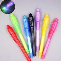 Highlighters 1pcs Magic 2 en 1 UV Black Light Combo Papeterie créative Invisible Ink Stylo Office de l'école Dessin de couleur aléatoire