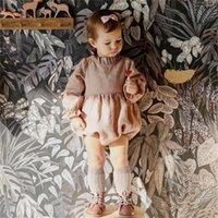Coréen Australie Grande Qualité Automne Bébé Bébé Enfants Rompers Bio Linge de coton Coton Colliers Jumpseaux Jumpsuits Nouveau-né Onesies Montez des chiffons 2132 Q2