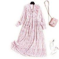 Vestidos casuais 2021 primavera coleira de arco elegante mangas compridas bolinhas Impressão de costura ruffles rosa chiffon plissado maxi vestido mulheres