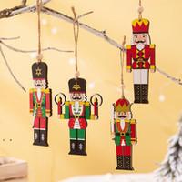 Деревянный орех солдат подвеска с рождественской елкой солдат кулон украшения красочные напечатанные деревянные висит солдат орнамент OWD8971
