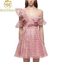 Auto-retrato vestido de pista de pista de pista de pista novo Chegada Assimmetical pescoço um-ombro laço oco out patchwork runway vestido rosa 210325