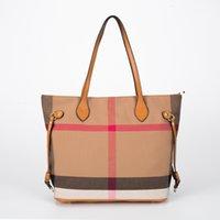 Handväska 2021 Kvinnors väska Enkel och generös singel Shoulder Canvas Plaid Tote Fashion Stora Kapacitet Shopping