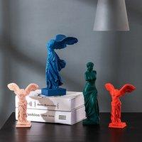 Nordic Home Decor Resina Estátua Escultura Casa Mobiliário de Deusa da Vitória Personagem Estátua Decoração Arte Suprimentos Adereços 210326