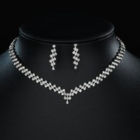 Moda europea y americana All-Match Full Diamond Parallel Fid Necklace Ear Stud Womens Trendy Niche Temperamento Clavícula Clavícula Joyería