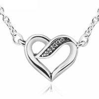 Rubans d'amour Clear CZ Couker Colliers pour femmes 925 Sterling Silver Bijoux Femme Déclaration Hollow Heart Chaînes