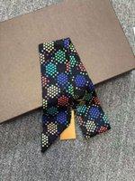 2021 Free Designer Sciarpa Silk Sciarpa Donne Neck Hairband Elegante Floral Neckerchief Bandana Piccola Sciarpa quadrata Sciarpe Femminile Femminili Neocceri da gioco 120 * 6 cm