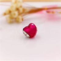 Authentic 925 cuentas de plata esterlina FUCHSIA Forma de los encantos de amor Se adapta a la joyería de estilo de Pandora Europea Collar 796563NFR