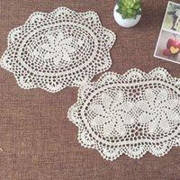 Mats almofadas 6 pçs / lote redondo doily algodão mão feita crochet tapete de chá, branco e bege 25cmx35cm