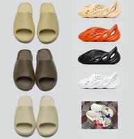 С коробкой тапочки Kanye West Sandals обувь Тройная черные белые слайды носок костной смолы пустыни песок земля коричневые мужчины женские тапочки тапочки # 2021 #